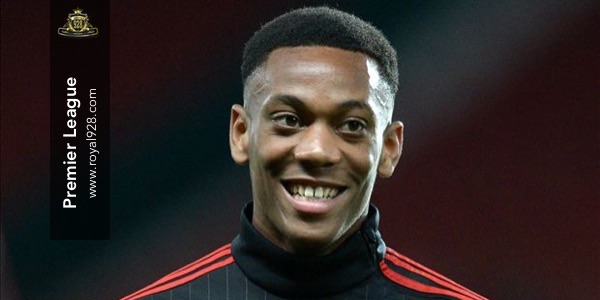 Anthony Martial player of the month Premier League